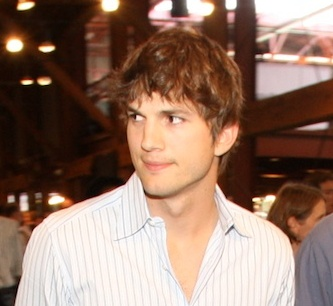 Ashton Kutcher 2008 09 08 Ashton Kutcher collapses on set of Two and a Half Men, dies